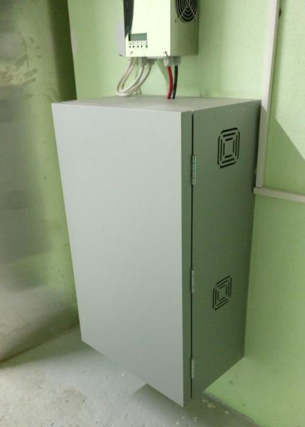 Аккумуляторный шкаф из композита